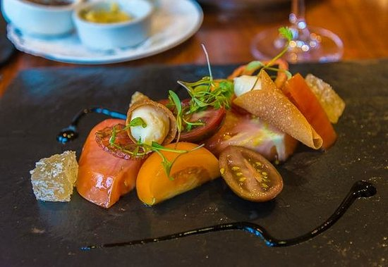 Russell's of Broadway: Heirloom tomato appetizer