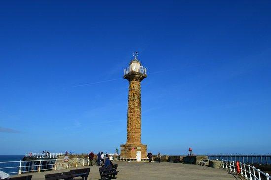 Whitby Lighthouse: Lighthouse