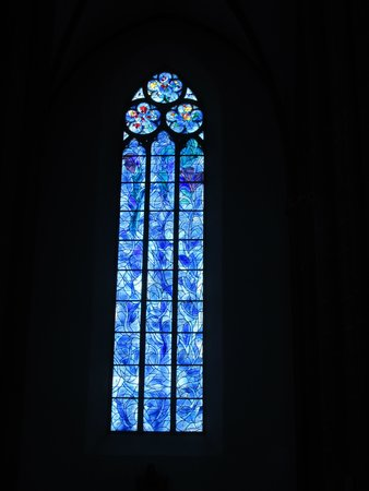 Walking Mainz : Chagall windows