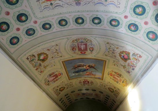 Bed and Breakfast Pantaneto Palazzo Bulgarini: The Ceiling in Our Room