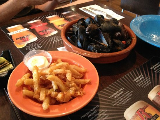 Bistro Cafe & Cucina: Mmmmm  .... mussels