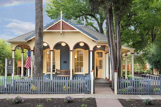 Photo of Brannan Cottage Inn Calistoga