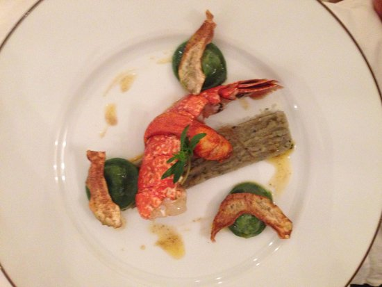 Chateau d'Etoges : Lobster tail appetizer