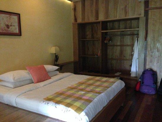 Veranda Natural Resort : Tastefully appointed room