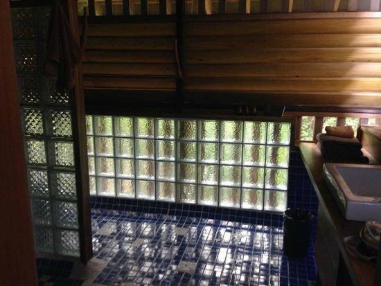 Veranda Natural Resort : The bathroom is spectacular