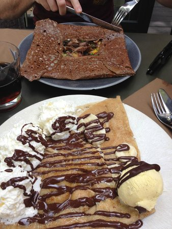 142 Creperie Contemporaine: Nutella - Sweet Crepe