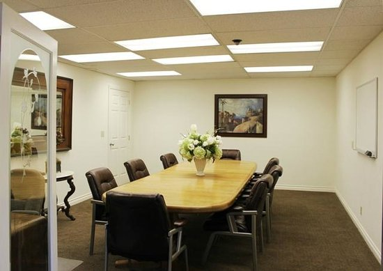 La Residence Suite Hotel: Conference Room