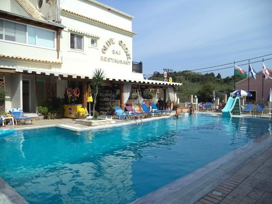 The Olive Grove Apartments: pool