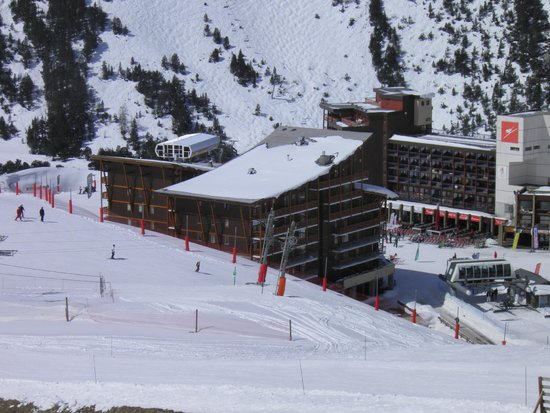 Residence Chalet des Neiges Cime des Arcs : vue de l'hotel