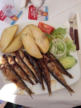 La Gran Paella Valenciana: Sardines for lunch ...
