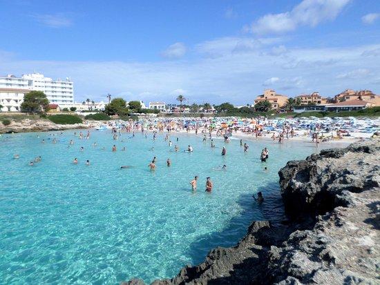 Cala ' n Bosch, Spagna: spiaggia di Cala 'en Bosc a circa 10 minuti
