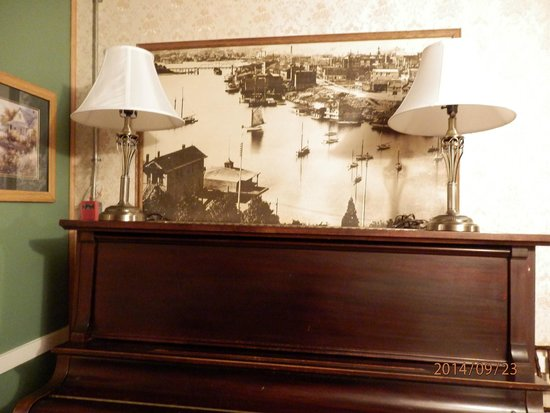 James Bay Inn Hotel, Suites & Cottage: Antique Furniture and Photos Awesome  First floor