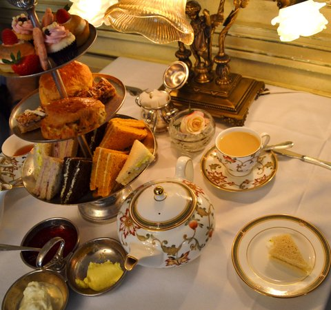The Drawing Room at the Prince of Wales Hotel: High Tea