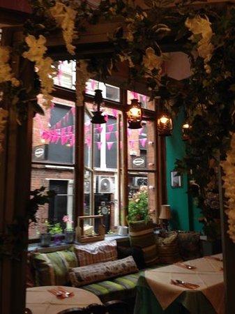 Richmond Tea Rooms: lovely interior