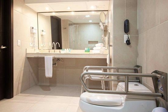 Hotel Capilla del Mar: Baño discapacitados