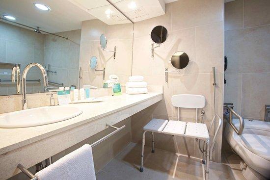 Hotel Capilla del Mar: Baño para discapacitados 2