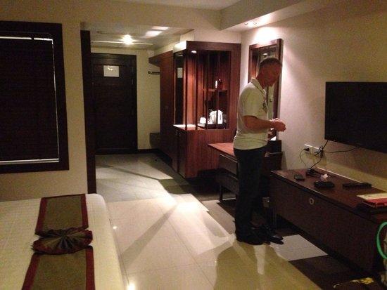Thanthip Beach Resort : Deluxe Room