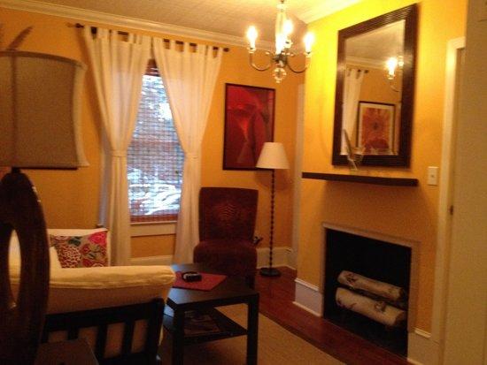Maison en Ville: Sitting Room