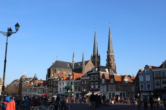 Markt: Plaza y torres de Oostpoort