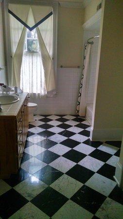 An Inn on York Street: bathroom in one of the rooms
