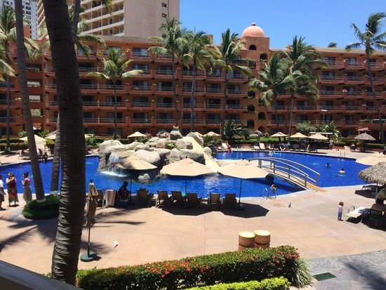 Villa del Palmar Beach Resort & Spa: The gorgeous pool area view from our room