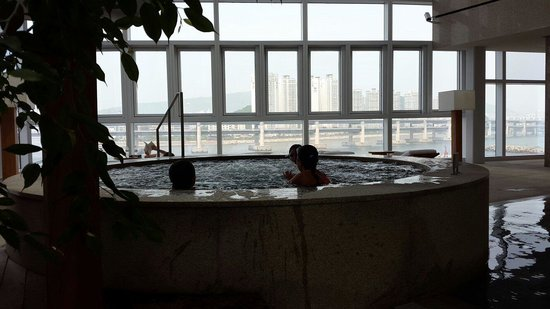 Park Hyatt Busan: Swiming pool sauna