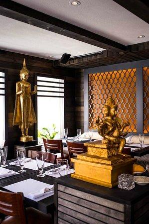 Pick Thai Restaurant Decor