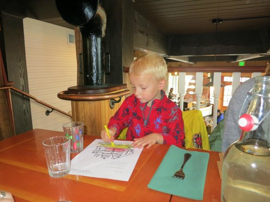Cask and Schooner Public House & Restaurant: My grandson gave it a thumbs up!