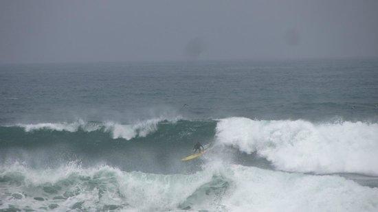 Penascal Surf Hotel: Monster waves