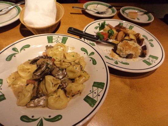 Olive Garden : Pratos que pedimos...Braised Beef Tortelloni e Parm Crusted Filet Mignon