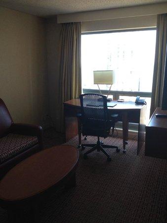 Hilton Chicago/Magnificent Mile Suites: living room area of a suite