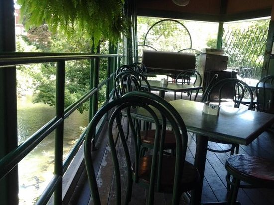 Curley's Restaurant: outside deck
