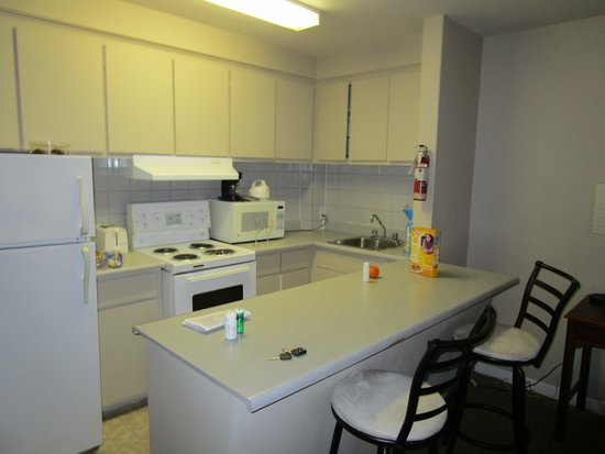 Hotel Dorval - Beausejour Apartments : kitchen