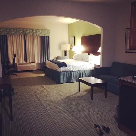 Holiday Inn Express Hotel & Suites Graham : King suite