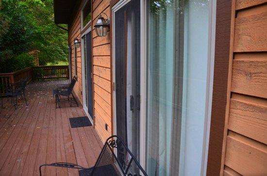 Inn on Mill Creek: The porch