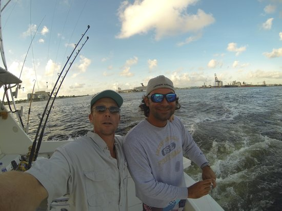 Hooked Up Sportfishing Charters: Heading out