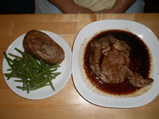 Butcher Block Restaurant : Prime Rib