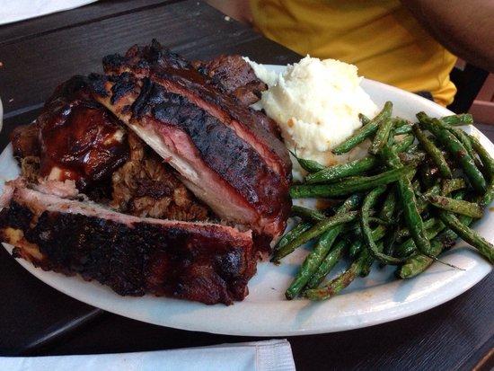 Bailey's Smokehouse: BBQ sampler platter!