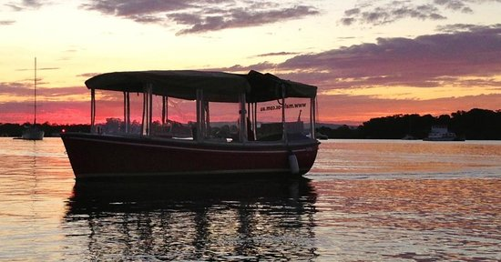 Malu Os Eco Boat Hire Noosa: Noosa River sunset