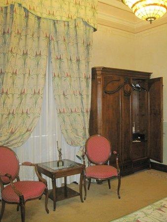 Liberty Hotel: sitting room