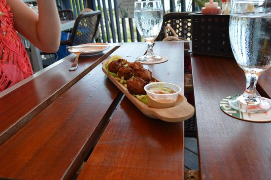 Capt Herman's East Side Fish Fry: the conch fritters