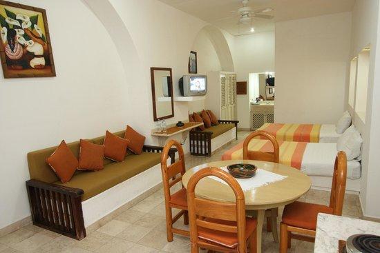 Hotel Plaza Huatulco: Habitación Cuadruple camas matrimoniales 2