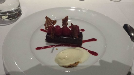 Sparkling Hill Resort: dessert