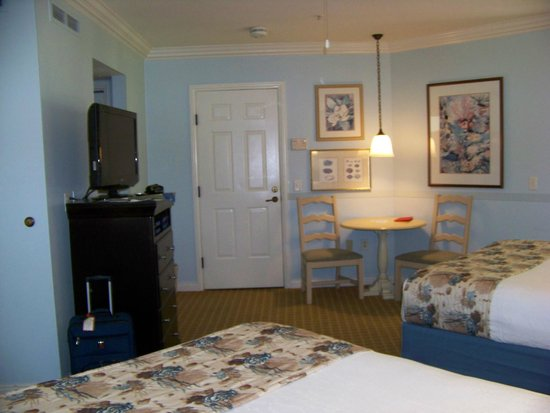 inside the studio, room 2620 - picture of disney's old key west
