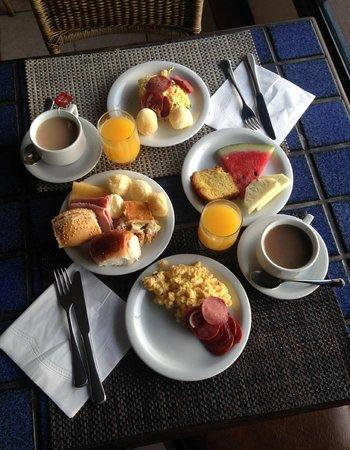 Costa Norte Ingleses Hotel : Hotel breakfast