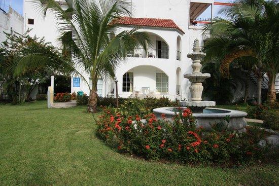 Hotel Plaza Huatulco: Jardines 4