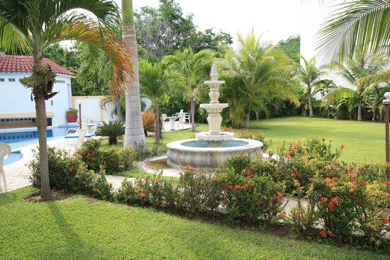 Hotel Plaza Huatulco: Jardines 5
