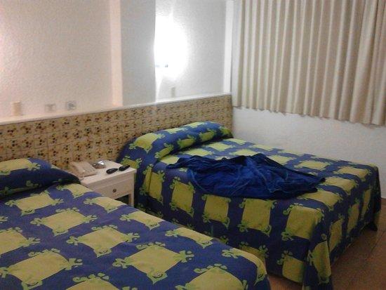 Las Flores Beach Resort: Con 2 camas