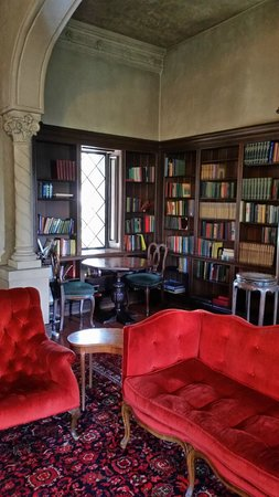 Berkeley City Club: The library - good place to work or read