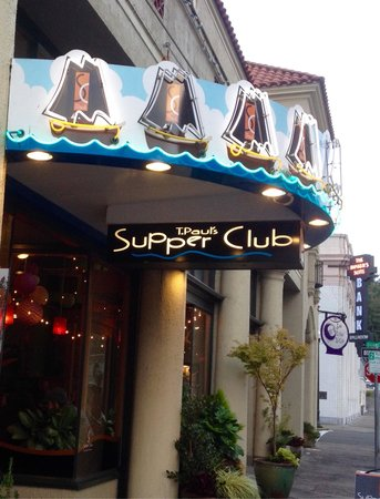 T Paul's Supper Club: Outside Entrance